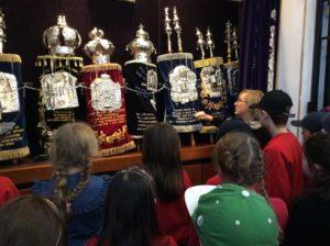 p6-synagogue-trip
